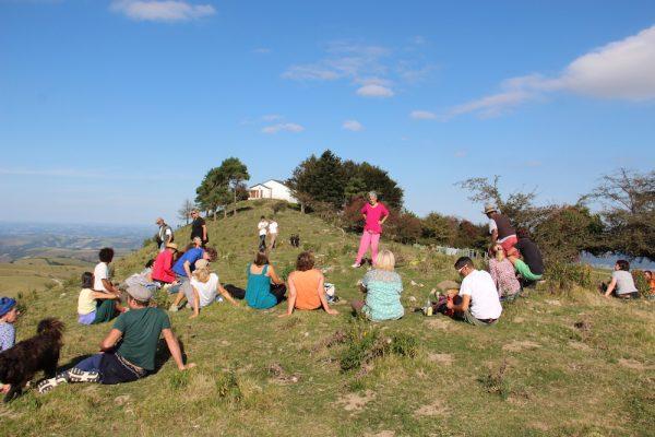 """Conte """"La colombe de la Paix"""" à la Chapelle de la Paix, à l'occasion du Festival de la Paix 2016 au Pays Basque."""